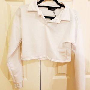 White super cropped sweatshirt with collar